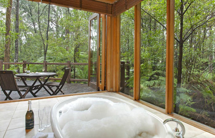 romantic getaways melbourne - woodlands rainforest retreat