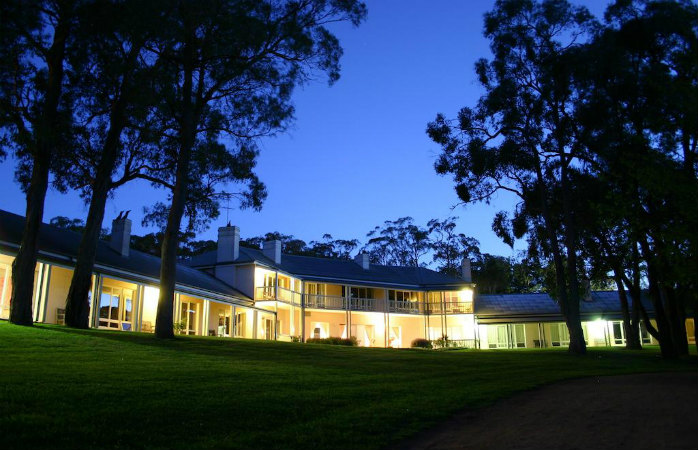 romantic getaways melbourne - lindenderry