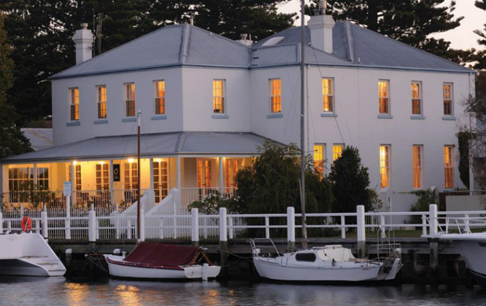 romantic getaways melbourne - oscars waterfront